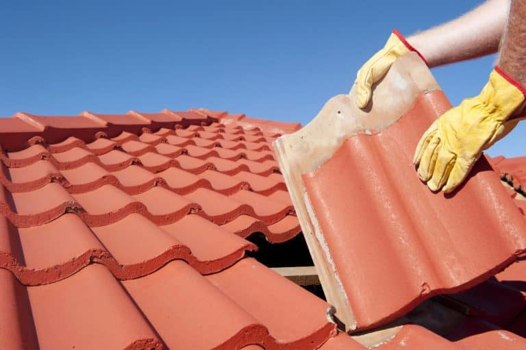 4 Situations Where Homeowners Should Hire A Professional Roofing Contractor
